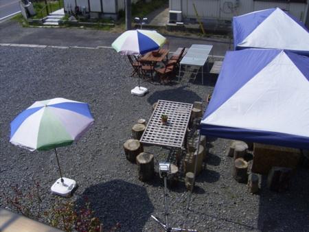 庭でBBQを。大きなテントで雨天も可/貸別荘 倉ちゃんの家