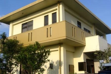 コンクリート造りの戸建。庭でBBQもOK/ティーラ宜野座