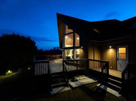 プライベートガーデンの敷地に建つ一軒家/高級コテージ モントレーハウス