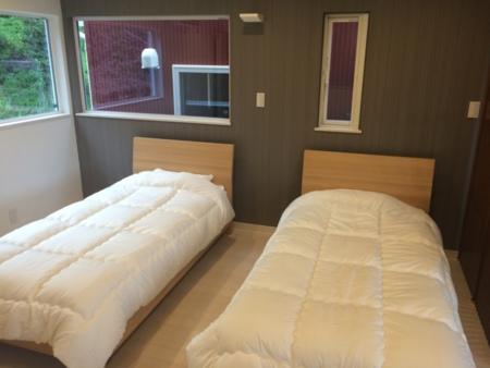 【雲】2F寝室12畳/天然温泉付き貸別荘 風&雲
