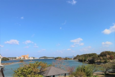 150㎡の広々ドッグラン/ドッグラン&天然温泉付き貸別荘