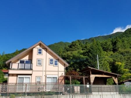 A棟の全景/大石テニスコート&貸別荘Horiuchi