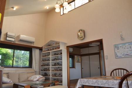 ドールハウスの看板を目印にお越しください/貸別荘 ドールハウス