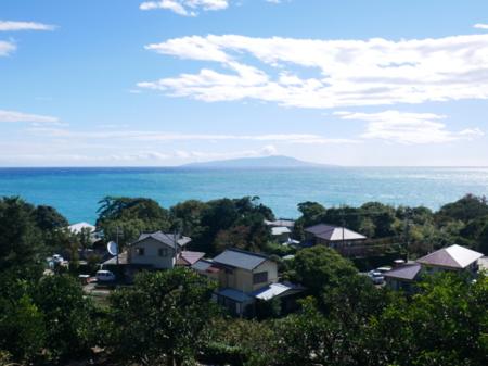 客室からの眺め、 相模湾と大島を見下ろす/ゲストハウス COSTA BRAVA (コスタブラバ)