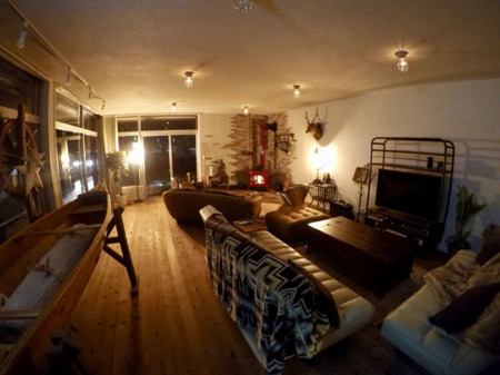 リビングルーム/SHIMA BOAT HOUSE