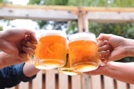 生ビールで乾杯!/四兵衛殿(しへえどん)